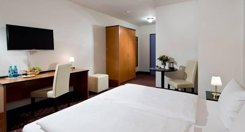 achat comfort mannheim hockenheim i hockenheim boka de b sta erbjudandena. Black Bedroom Furniture Sets. Home Design Ideas